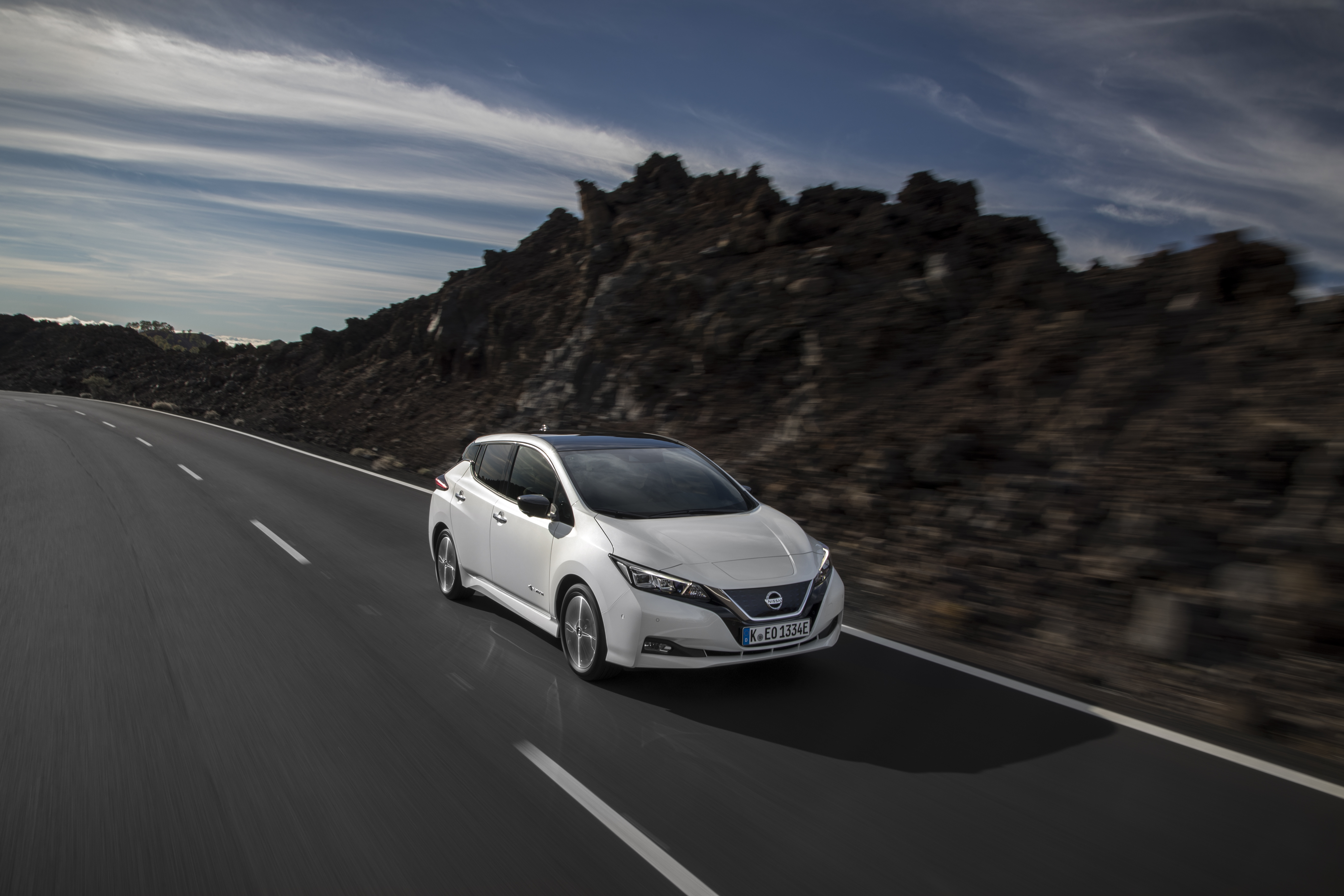 426214053_The_new_Nissan_LEAF_the_world_s_best-selling_zero-emissions_el.._