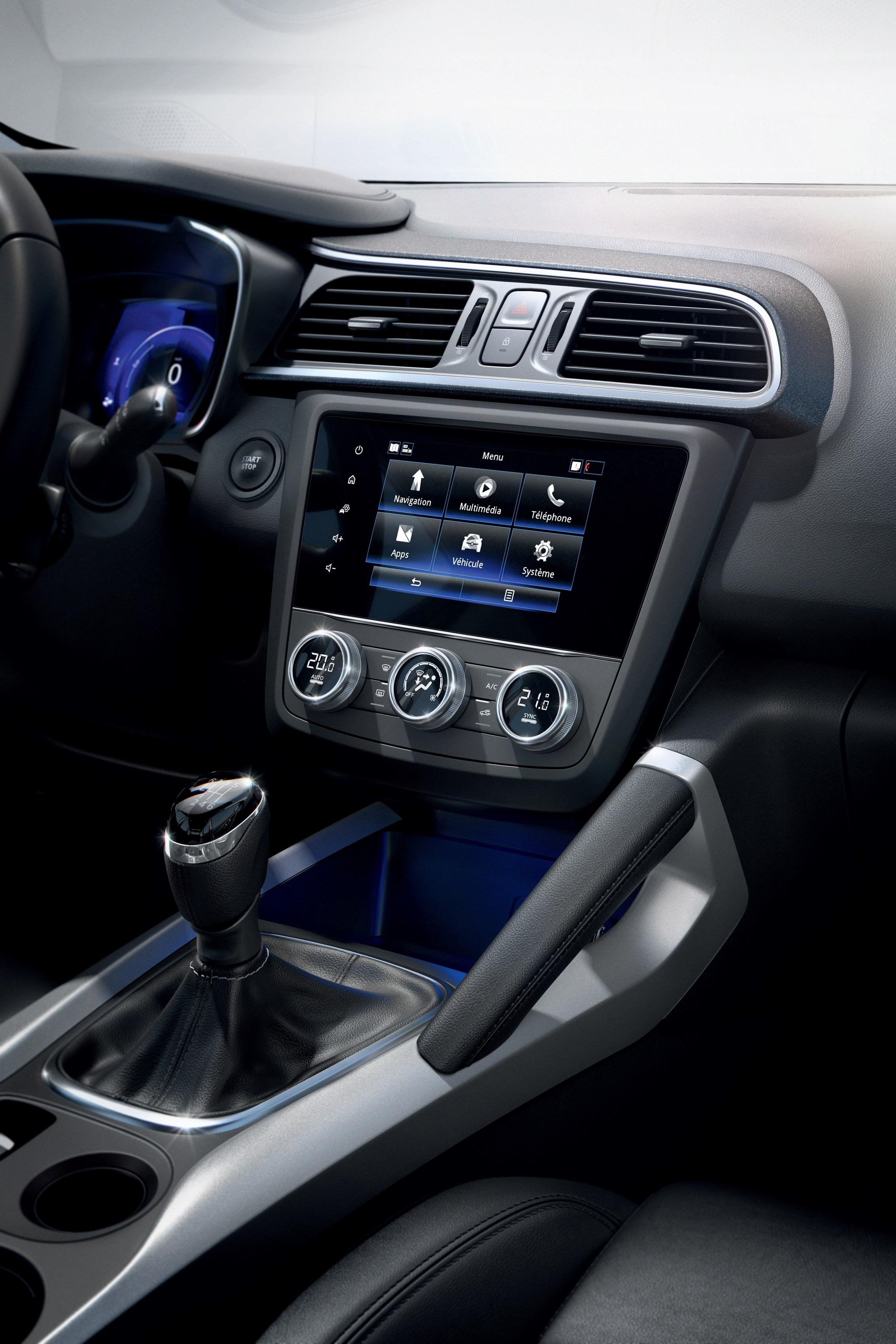 21215296_2018_-_New_Renault_KADJAR